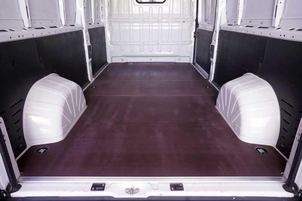 Pianali per furgoni prodotti da Tecnolam